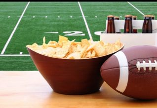 What-You-Need-For-a-Super-Bowl-Watch-Party